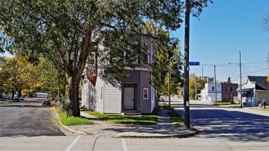 1704 Clark St, Manitowoc, WI 54220