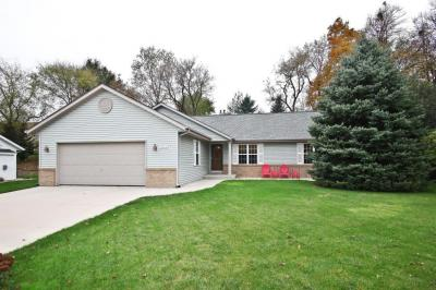 Photo of 1314 Lee Ave, West Bend, WI 53090
