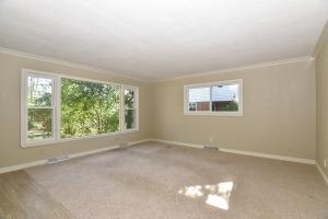 Photo of 401 Parkway Dr, South Milwaukee, WI 53172