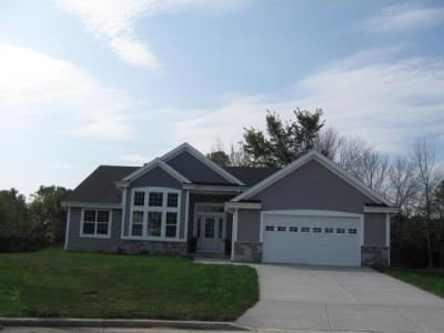 Photo of 6193 S 40th St, Greenfield, WI 53221