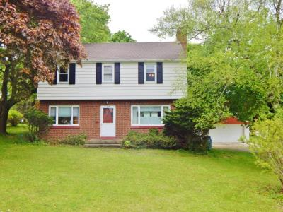 Photo of 1615 Chestnut St, West Bend, WI 53095