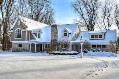 Photo of 1007 E Thorne Ln, Fox Point, WI 53217