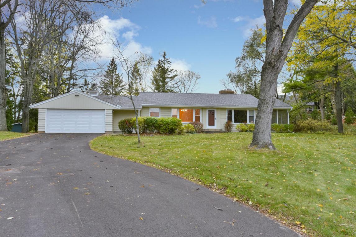 N112W21740 Mequon Rd, Germantown, WI 53022