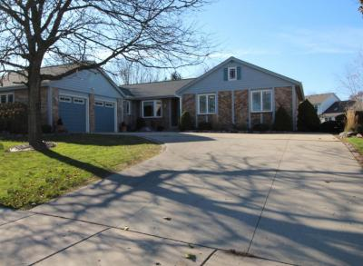Photo of 1026 Cottonwood Ct, West Bend, WI 53095