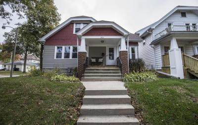 Photo of 2476 N 70th St, Wauwatosa, WI 53213