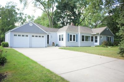 Photo of 1266 N 123rd St, Wauwatosa, WI 53226