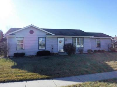 Photo of 235 Settlement Rd, Hartford, WI 53027