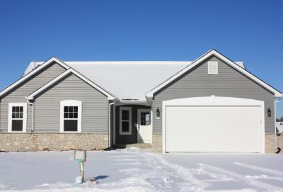 Photo of 292 S Silver Fox Dr, Kewaskum, WI 53040
