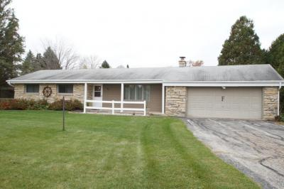Photo of 781 River Bend Rd, Grafton, WI 53024
