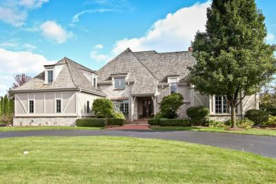 Photo of 11650 N Canterbury Dr, Mequon, WI 53092