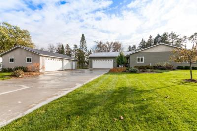 Photo of 6157 First St, Hartford, WI 53027