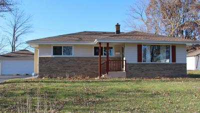 Photo of 939 Meadowview Ln, Mukwonago, WI 53149