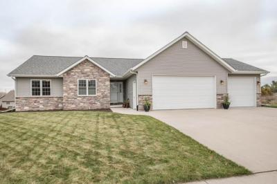 Photo of 1219 Sunflower Ave, West Bend, WI 53090