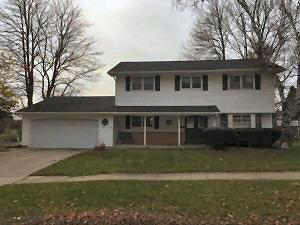 Photo of 1707 Cherry St, West Bend, WI 53090