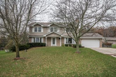 Photo of W324S7135 Squire Ln, Mukwonago, WI 53149