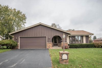 Photo of 3374 W Kimberly Ave, Greenfield, WI 53221