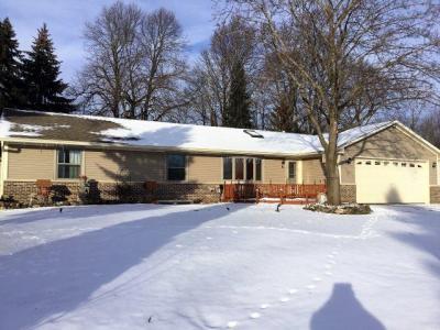 Photo of 740 Saint Paul Dr, Slinger, WI 53086