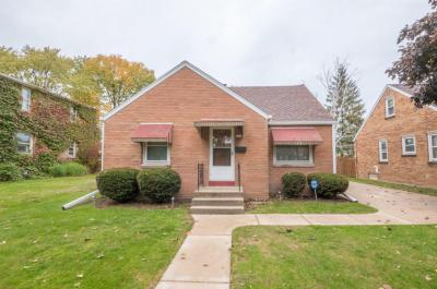Photo of 1314 E Norwich Ave, St Francis, WI 53235