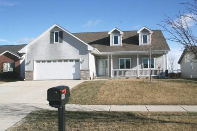 Photo of 540 Sand Dr, West Bend, WI 53095