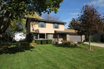 Photo of 15320 W Fenway Dr, New Berlin, WI 53151