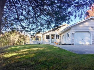 Photo of 3977 Nagawicka Rd, Delafield, WI 53029
