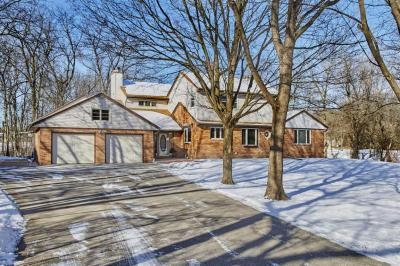 Photo of 13540 Oak Hill Ln, Brookfield, WI 53005