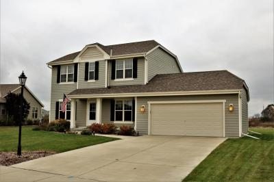 Photo of 170 Countryside Dr, Slinger, WI 53086