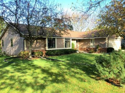 Photo of 8224 W Coventry Dr, Franklin, WI 53132