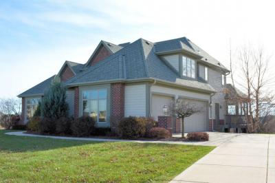 Photo of 7137 W Concord Creek Dr, Mequon, WI 53092