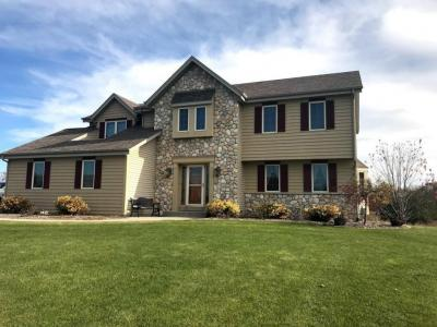 Photo of 6464 River Ct, West Bend, WI 53095