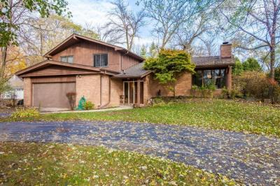 Photo of 270 S Rosedale Dr, Brookfield, WI 53005