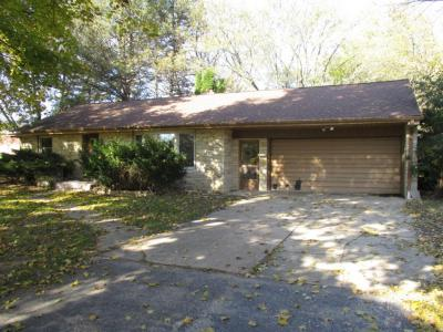Photo of 16120 Brentwood Dr, Brookfield, WI 53005