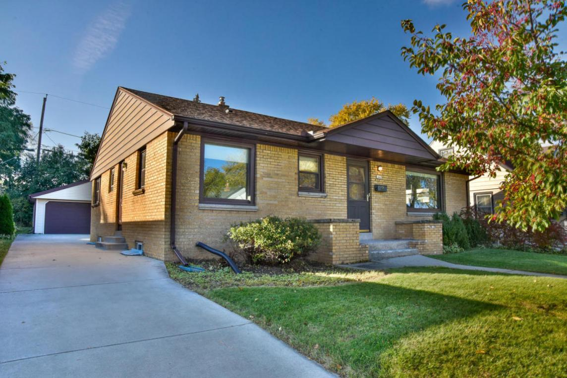 1443 S 96th St, West Allis, WI 53214