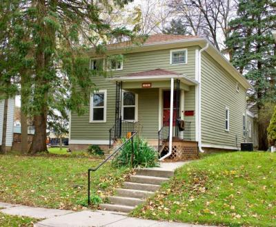 Photo of 528 S 6th Ave, West Bend, WI 53095