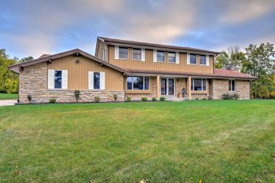 Photo of 12501 N Jacqueline Ct, Mequon, WI 53092