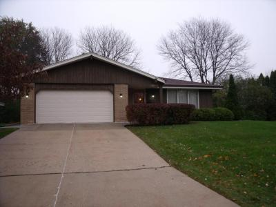 Photo of 6122 Thorncrest Dr, Greendale, WI 53129