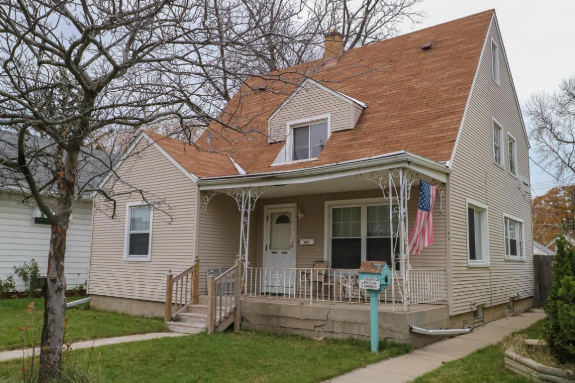 1621 Arthur Ave, Racine, WI 53405