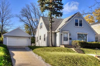 Photo of 605 Pleasant View St, Wauwatosa, WI 53226