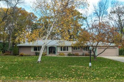 Photo of 426 E Apple Tree, Fox Point, WI 53217