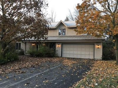Photo of 3917 S Woodhill Ct, New Berlin, WI 53151