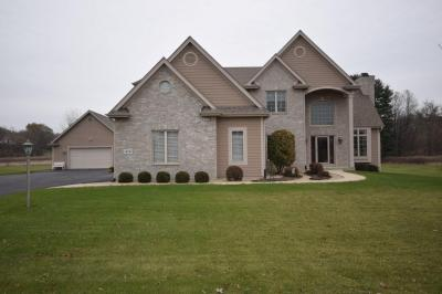Photo of 454 Harvest Moon Ct, Richfield, WI 53017