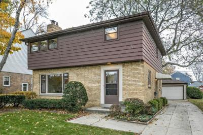Photo of 5056 N Santa Monica Blvd, Whitefish Bay, WI 53217