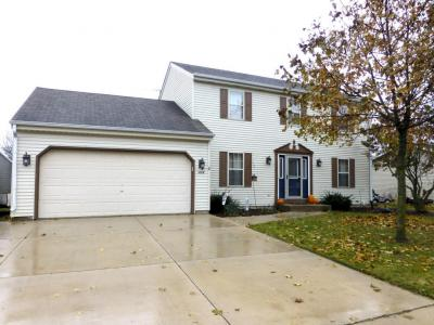 Photo of 1416 Park Knoll Dr, Hartford, WI 53027