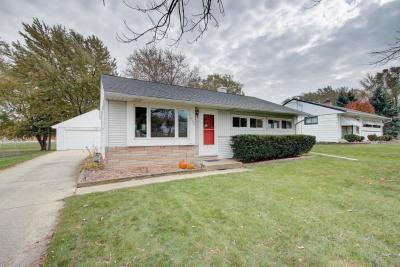 Photo of 4352 S 71st St, Greenfield, WI 53220