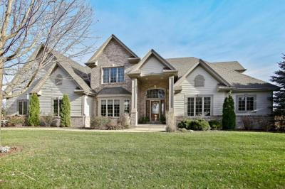 Photo of 10502 N Stone Creek Dr, Mequon, WI 53092
