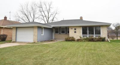 Photo of 2827 S 72nd St, West Allis, WI 53219