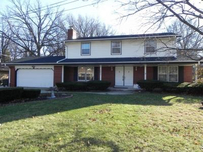 Photo of 10417 W Ruby Ave, Wauwatosa, WI 53225