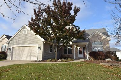 Photo of N173W20330 Crestview Dr, Jackson, WI 53037