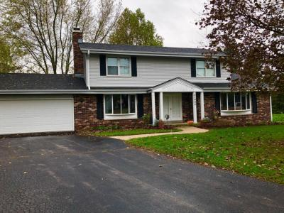 Photo of 21905 Kings Arthurs Ct, Brookfield, WI 53045