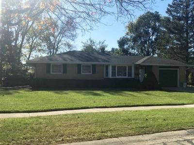 Photo of 5401 Oxford Dr, Greendale, WI 53129